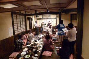 踊る人も多数。やはり津軽は底抜けに明るい土地なのです。