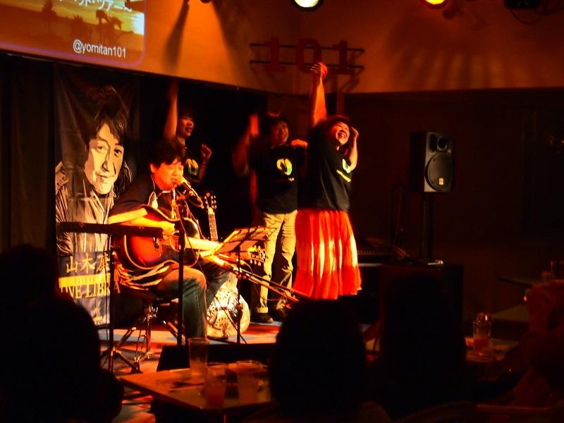 そして「真田幸村十勇士」踊り隊!客席でも踊っていました。
