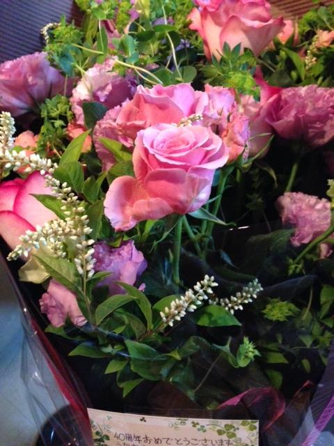 地元山梨のお客様から大きな花束のプレゼント!